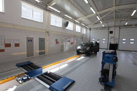 Nowoczesna stacja diagnostyczna kontroli pojazdów